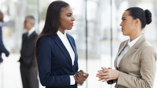 درک مطلب سطح متوسط ۲ (B2) به همراه تمرین Cultural expectations and leadership